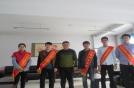 中心组织青年团员开展学雷锋义务大扫除活动